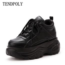 Deutschland Die neuen weiblichen Sportschuhe verkaufen Casual Ms Schuhe Frühjahr neue ultra-Feuer Mode High-Top-Stiefel schwere Bodenhöhe erhöhen cheap heavy bottom boots Versorgung