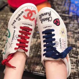 2019 Été Nouvelles Femmes Blanc Toile Sneaker Graffiti Bas Bas Chaussures De Mode Marque Designer Chaussures Hommes De Luxe Baskets Plat avec Boîte ? partir de fabricateur