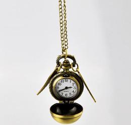 zeige harry potter Rabatt 2019 Harry Golden Snitch Taschenuhr Antike Bronze Wing Ball Anhänger Halskette Ketten Potter Uhren Großhandelspreis