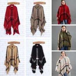 Ponchos vintage online-Moda mujer capa a cuadros señora cuadrícula poncho suéter abrigos chal vintage rebeca borla bufandas de punto tartán mantas de invierno tta1548