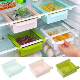 Mini refrigeradores online-MOQ Mini ABS Deslice la cocina Frigorífico Congelador Espacio Saver Organización Rack de almacenamiento Estante del cuarto de baño 4 colores