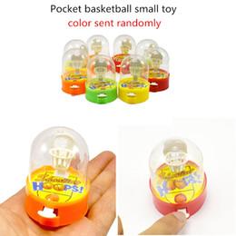 Giocattoli da esterno Mini basket piccolo giocattolo bambino Puzzle Mini finger giocattolo basket Pocket basket giocattolo (colore inviato a caso) da altalene a buon mercato fornitori