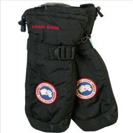 caja de mitones Rebajas Nuevos guantes de boxeo de Canadá Guantes de boxeo de marca Guantes de invierno de protección completa Guante de ganso Guantes de esquí gruesos a prueba de viento Guantes de esquí al aire libre