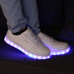 Zapatos de baile online-LED colorido luminoso hombres y mujeres luminoso USB cargando calzado deportivo ghost horse dance step flash zapatos