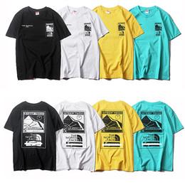 ВЕРХОВНОЕ совместное северное Tshirts тяжелого четыре цвета дизайнер Tshirts мужчин женщины пара короткого рукав мужского тренд футболка 19SS лето горячего надувательство тройники от
