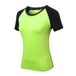 Partida rápida on-line-Mulheres yoga magro manga curta em torno do pescoço de fitness correndo sports formação quick dry elástico correspondência de cores t-shirt