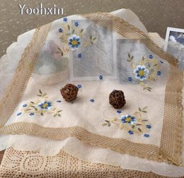quadratische stickerei tischdecken Rabatt 85 cm Moderne Weiße Stickerei Tischdecke Handtuch Abdeckung Spitze Baumwolle Platz Esstischdecke Weihnachten Im Freien Hochzeitsdekor