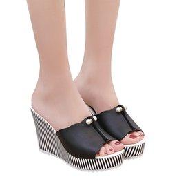 Rayures plates-formes en Ligne-2019 Talons De Plage Pantoufles Été Coins Plateforme Rayures Perle Sandales Tongs Femmes Chaussures Sandalias Mujer MX190727