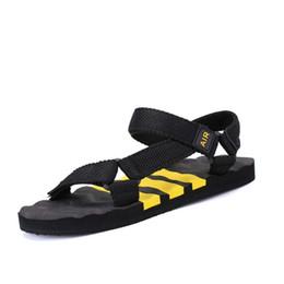 sandales à la main Promotion Nouvelle arrivée hommes sandales de haute qualité chaussures d'été à la main de mode hommes plage sandales tongs occasionnels chaussures hommes