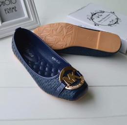 2019 zapatos de algodón Zapato de diseño de moda para mujer 2019 sandalia 20 zapatillas de mezcla y combinación modelo y maleta tamaño 35-42 bolso de cuero