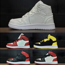 meistverkaufte basketballschuhe Rabatt Nike Air Jordan 1 Heißer Verkauf scherzt Schuhe OG 1 1s Basketball beschuht Kind-Jungen-Mädchen 1 Oberseite 3 gezüchtete schwarze rote weiße Turnschuhe