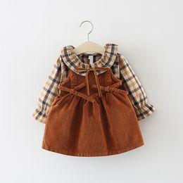 Vestido de bebês de um ano de idade on-line-2018 nova promoção algodão vestido infantil do bebê dress outono 0-3 anos de idade meninas moda xadrez cinta dress dois conjuntos de maré j190426