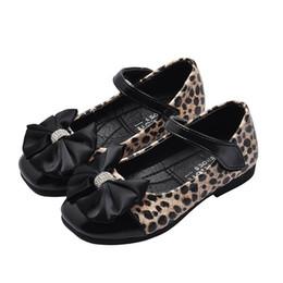 bac6b39f7 2019 curativo do gramado Leopardo crianças sapatos Bowtie meninas sapatos  Moda crianças sapatos de grife Crianças