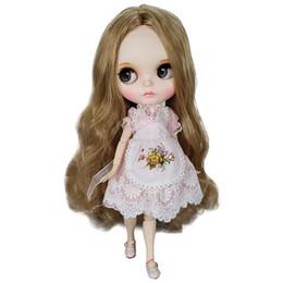 Wholesale Фабрика продажа Blyth кукла каштановые волосы с Платье см дюймов белая кожа совместное тело DIY сочетание куклы развивающие игрушки