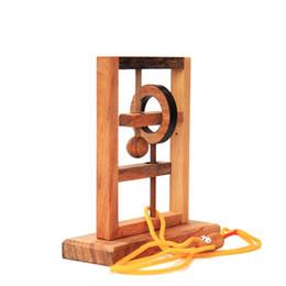 Ratos de armadilha on-line-De madeira Alpinia Rato Armadilha Descompressão Brinquedo Adulto Crianças QI Presente Engraçado Deblocking Simples Prático de Alta Qualidade Popular 38tm D1