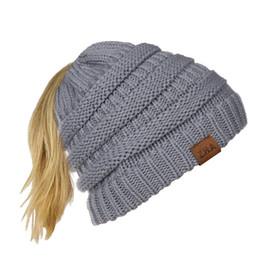 cappello ad aria superiore Sconti Z.h.aebay / wish I migliori venditori di Autumn And Winter portano Mark Air Top Wool Knitting Ponytail Hat Bounet maschile