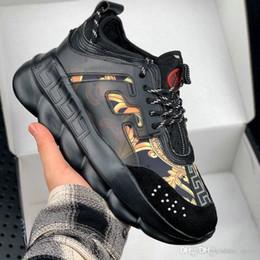 bottes décontractées pour hommes Promotion versace 2019 Nouvelle Chaîne Hommes Sneakes Designer De Luxe Sneakers Hommes Femmes Chaussures de sport En Cuir Casual Chaussures Formateurs Semelle Légère Chaussures