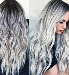 Cinza de seda on-line-Ondulado médio COS perucas cinza peruca gradiente senhora cinza de alta temperatura de seda e fibra química peruca