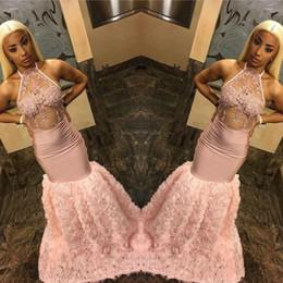 vestiti da promenade della spiaggia di pesca Sconti Prom Dresses Peach per Black Girls Cascading Flowers 2019 Sexy Illusion Corpetto Halter Neck Mermaid Appliques Abiti da sera lunghi BC1642