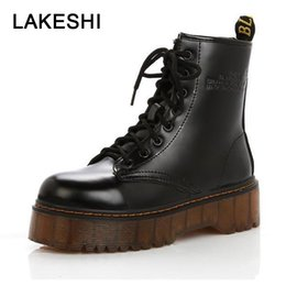 Ботинки на лодыжке с толстыми каблуками онлайн-LAKESHI Creepers Women Boots Punk Short Boots Female Genuine Leather Shoes Women Autumn Thick Heel Ankle Female