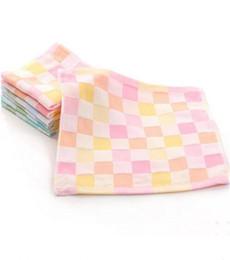 2019New 100% algodón bebé toalla 25 * 25 cm patrón de tela escocesa saliva toalla bebé niño pañuelo alimentación suave y no se desvanecen desde fabricantes