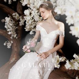 Свадебные платья bling соборный поезд онлайн-2019 роскошное сексуальное свадебное платье,bateau,bling bling,с плеча,поезд собора,тонкий,современный,хвост 1,3 м