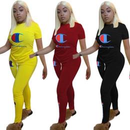 Campeão mulheres 2 peça set treino camisa calças roupas sportswear camisa de manga curta calças sweatsuit collants sportswear klw1222 de Fornecedores de vestidos de dia barato simples