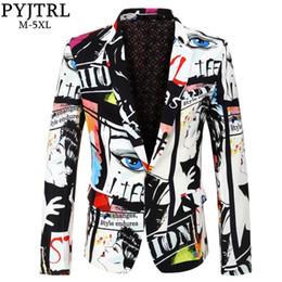 2020 trajes para hombre más calientes PYJTRL Marca 2018 nueva marea de moda para hombre Imprimir Blazer Design Plus tamaño de la cadera caliente Casual Male adelgazan la chaqueta del juego del traje de cantante trajes para hombre más calientes baratos