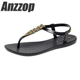 элегантная пляжная обувь Скидка Сандалии 2019 летние новые с плоским дном ретро национальный стиль элегантный дикий, звездный праздник удобные нескользящие пляжная обувь