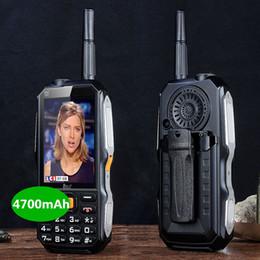 mtk telefono cellulare sim Sconti DBEIF D2017 voce magica Doppia SIM torcia FM esterna antiurto mp3 / mp4 antenna banca di potere TV analogica robusto mobile cellulare