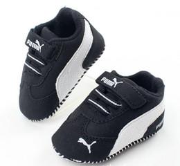 Solas das meninas moles on-line-New Romirus mocassins criança sapatos de bebê PU couro primeiro walker shoes sola macia recém-nascidos meninos meninas marca tênis 0-18MNewborn Baby Girl Bo