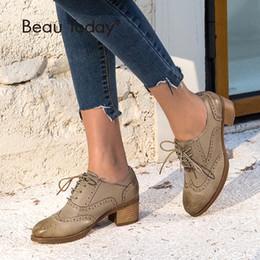 Ботинки для крыльев ручной работы онлайн-BeauToday Oxfords Women Pumps Top  Genuine Leather Sheepskin Wingtip Round Toe Lace-up Brogues Shoes Handmade 15114