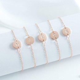 chaîne bracelet en diamant Promotion Alphabet Initiale Bracelet A-Z 26 Lettre Gravé Amitié Demoiselle D'honneur Bracelets Pour Femmes Chaîne Cadeau Charme Bangel Bijoux Or Argent Couleur