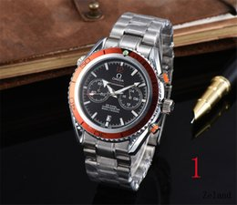 Cintura di moda online-Famous Brand Brand Original Two Eyes Timing Uomini e moda semplice orologi da donna Vogue pieghevole acciaio cinturino cronografo orologi al quarzo