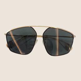 Confezione in lega online-Occhiali da sole donna 2019 moda di lusso in lega di farfalla montatura specchio lente oculos de sol feminino con imballaggio originale