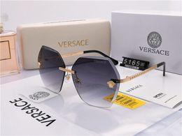 Marca de óculos de sol europeia para mulheres on-line-Estilo europeu e americano proeminente designer de luxo dos homens e mulheres marca de roupas de óculos de sol óculos de lente de resina de metal óculos de proteção goggle