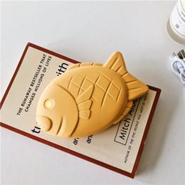 romans de téléphones portables Promotion Nouveau modèle japonais Taiyaki banque de puissance mobile 13200mAh modèle de poisson brun relief banques de puissance de téléphone cellulaire pour fille