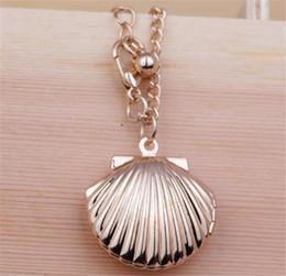Medallones de latón online-Medallón de concha marina, collar de sirena de San Valentín, medallón de playa, latón en tono dorado, medallón de concha pequeña, joyería náutica
