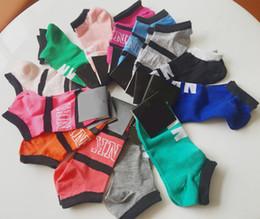 Новый Розовый Черный С Меткой Новый Пакет Носки Модные Женские Спортивные Носки Короткие Спортивные Носки Картонные Лодыжки Хлопок Носок Многоцветный доставка от
