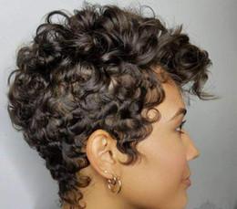 Corti short parrucca ricci online-Parrucca nera da donna. Parrucca riccia piccola. Coprispalle stile corto