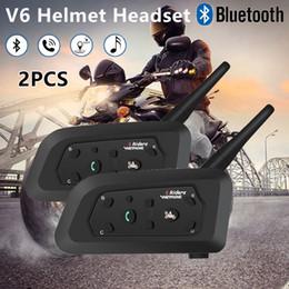 2019 cuffie intercomunicanti 2 PZ V6 Full-duplex Moto Bluetooth Cuffie Auricolari Citofono per 6 riders Wireless Walkie Talkie Interphone MP3 GPS sconti cuffie intercomunicanti