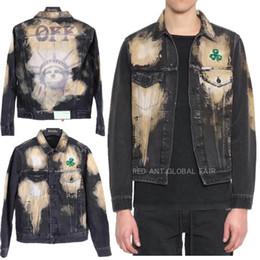 2020 homens denim jaqueta bordada Casais de Desconto 19SS BRANCO liberdade jaqueta jeans Europa e América folha verde jaquetas marca Tide bordado jaqueta de luxo lavado homens mulheres casaco homens denim jaqueta bordada barato