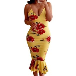 2019 Summer Runway Amarillo Negro Vestidos Rosa Impreso Sexy Correa de espagueti Vestidos de cola de pescado Vestido de sirena a media pierna de las mujeres desde fabricantes