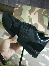 i nomi dei migliori designer Sconti Nome Designer Arena Shoes Uomo Casual Sneaker Red Fashion Designer High Top Cheap Sneaker Nero Bianco Scarpe da ginnastica Trainer hy18032316