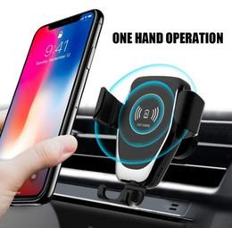 Cargador de coche inalámbrico qi online-Qi Gravity Cargador inalámbrico para iPhone X XR XS Max 8 Plus 10W Cargador inalámbrico rápido Cargador de coche para Samsung S9 S8 Cargador de soporte de coche