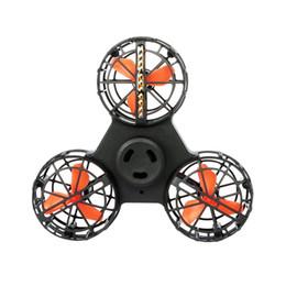 Canada Nouveau gyro du bout des doigts Illuminée antenne spinner Flying fidget spinner Contrôle facile induction avion cadeaux de vacances de Noël jouets Offre