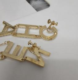 orecchini a vite di strass Sconti Designer di strass completo / lettera di perla piena nappa orecchini a clip con vite sul retro per le donne regali asimmetrici gioielli orecchino moda