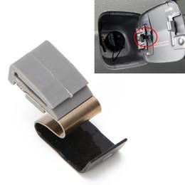 дверь mitsubishi Скидка Fuel Door Tank Lid Spring Clip Gas MR970563 MB642442 Fuel Door Spring Clip Lid For Mitsubishi Cars -M18