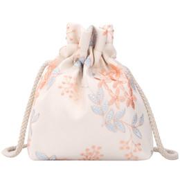 Bolsas azuis bonitos on-line-Bordada flor Bucket Bag Handbag Cute Girl Messenger Bag Ombro folhas azuis