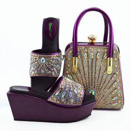 sapatos roxos da festa Desconto Mais recente moda italiana sapatos e saco conjunto atacado 2019 cor roxa para sapatos de casamento e correspondência bolsa para mulheres festa
